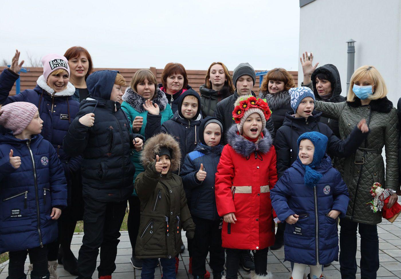 Днепропетровщина: Есть где делать уроки, играть