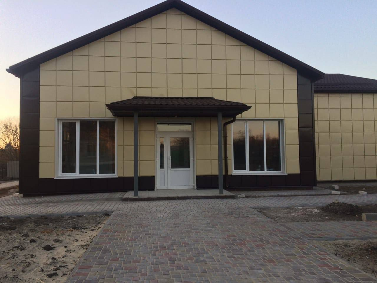 Луганщина: Амбулаторія готується приймати пацієнтів