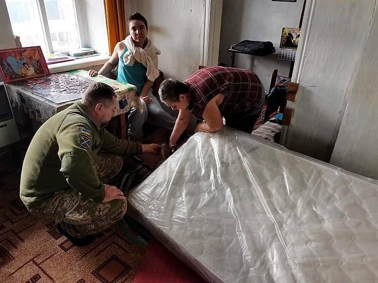 Захисники зібрали допомогу для родини із Соледара