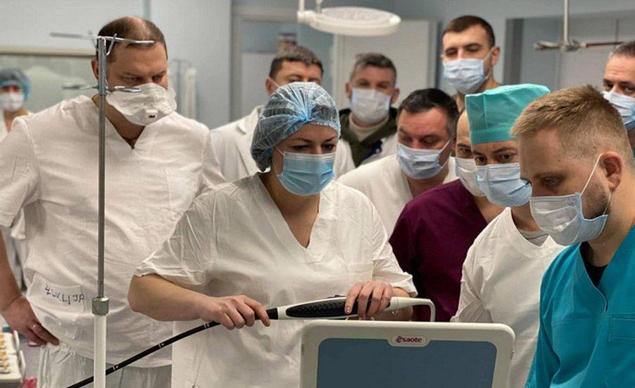 Провели операцию на сердце без разреза