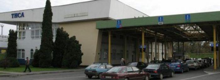 Брендовые «трофеи» попали на склад таможни