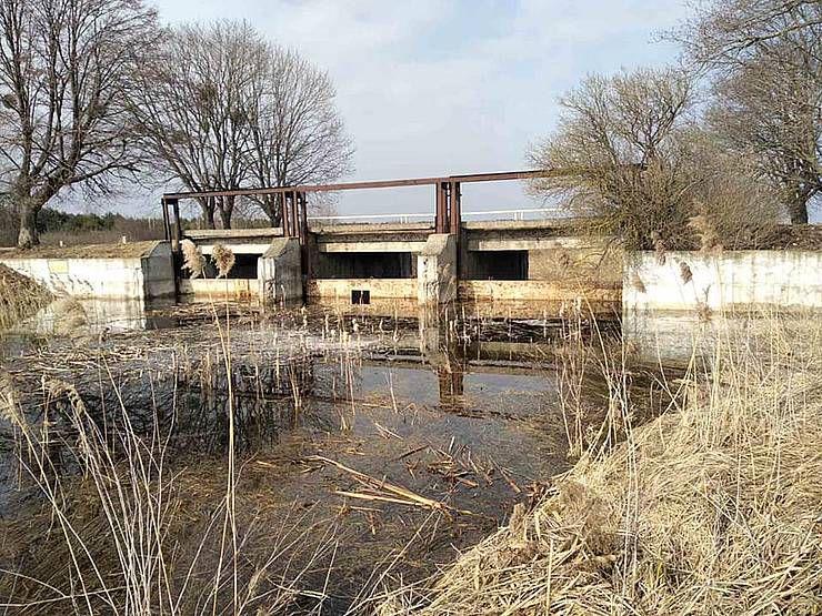 Волинь: Захотіли й... перекрили річку