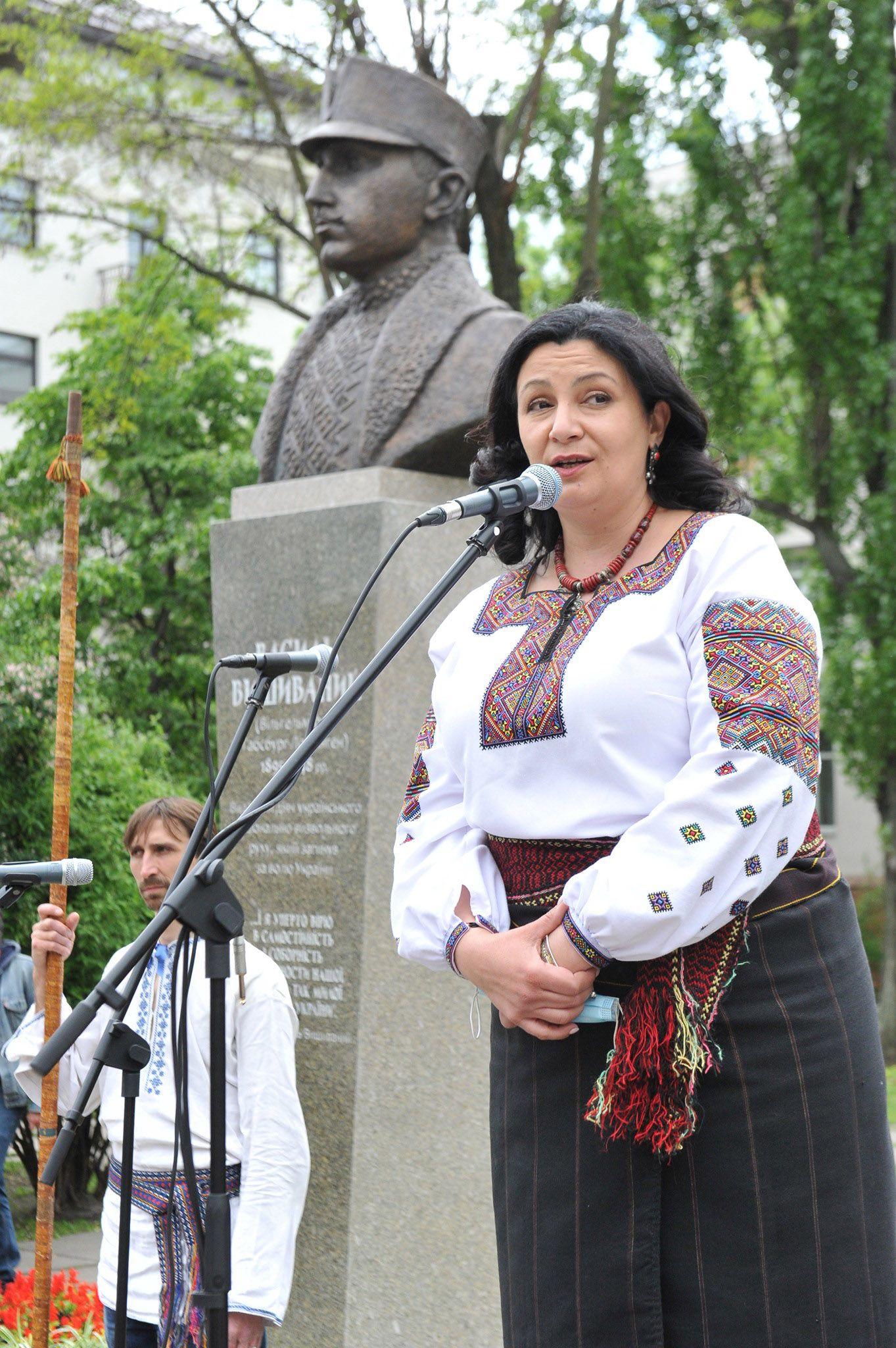 Пам'ятник ерцгерцогу Василю Вишиваному відкрили у Києві