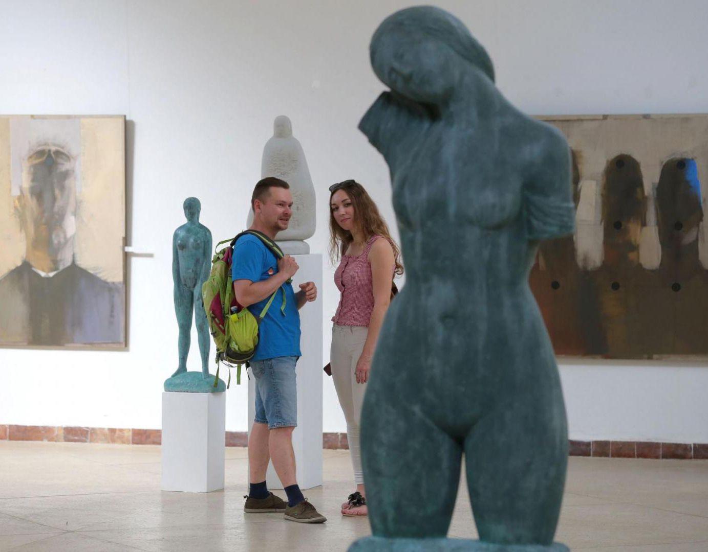 Во Львове открыли выставку известных художников