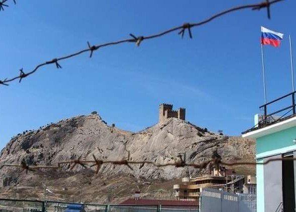 Екологічна катастрофа в Криму: зі сміттям  і без води