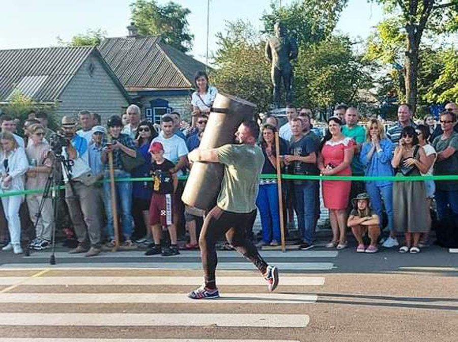 Черкасчина: Соревновались борцы, проводили ярмарку и пели