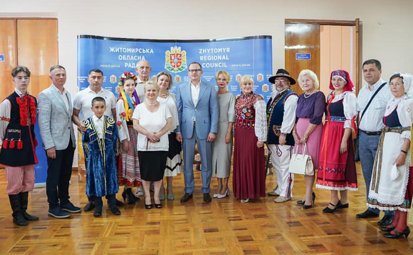 Житомир:Поздравляли на родных языках