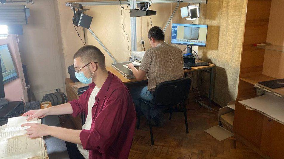 Николаев: Продолжается оцифровка документов