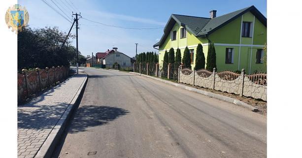 Львовщина: Дорогу ремонтируют по инициативе сельской громады
