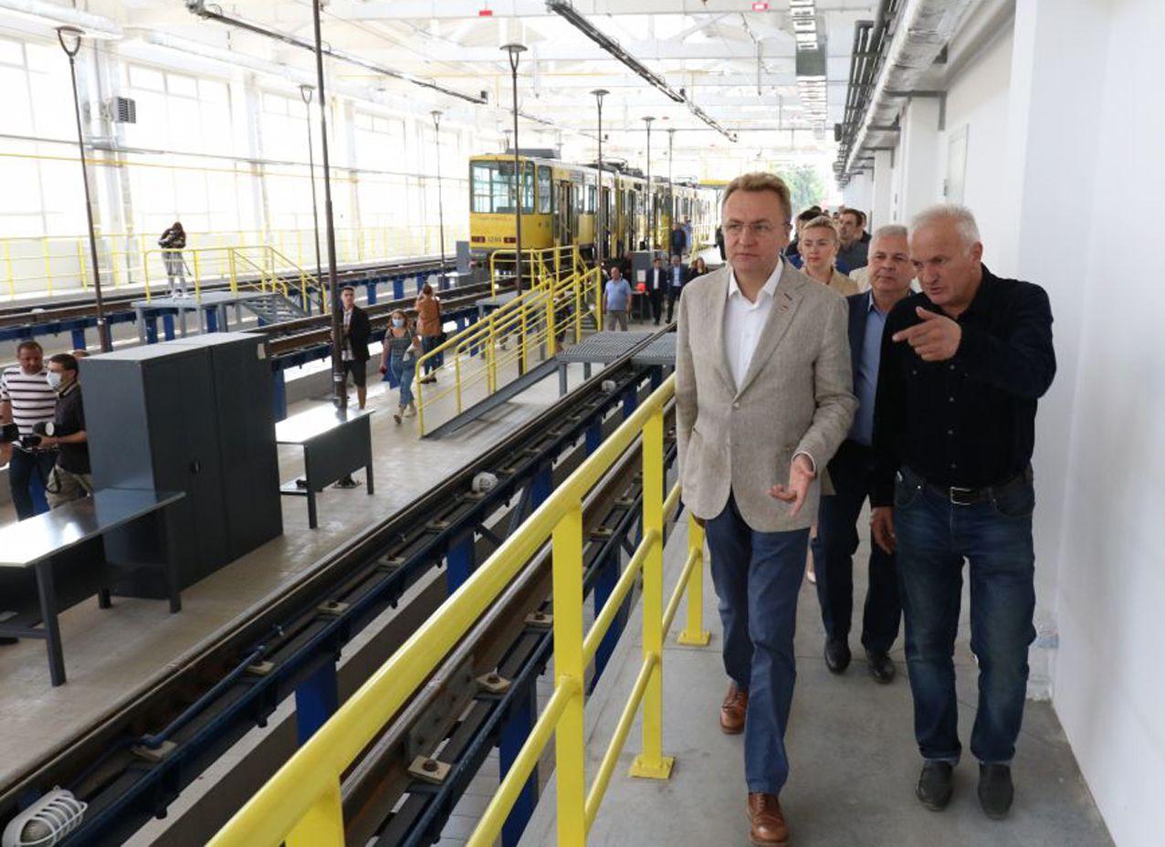 Во Львове реконструировали трамвайное депо