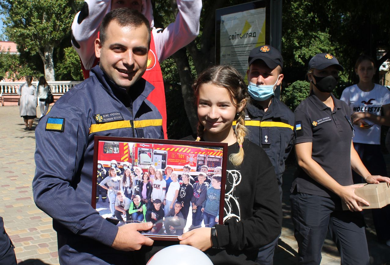 Луганщина: Учасників урочистостей зустрічали пристрасним танго