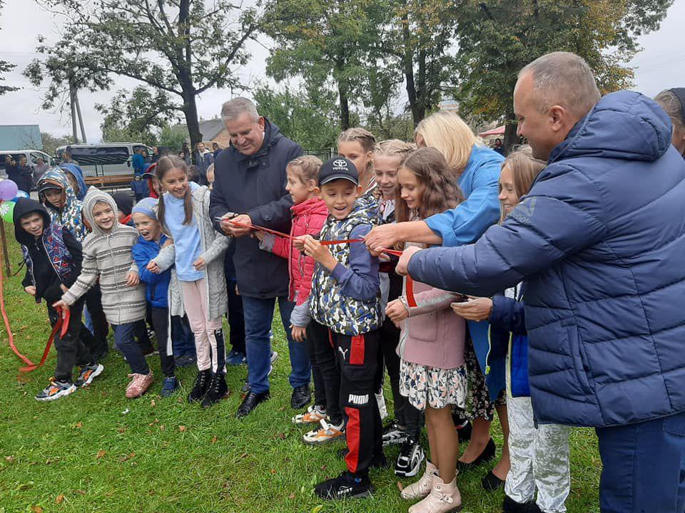 Ривненщина: Народный депутат порадовал детишек Гуты