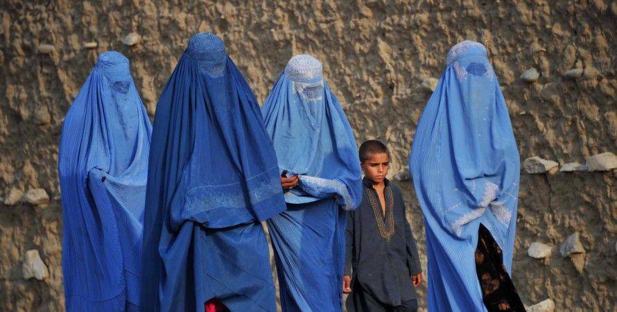 «Талібан» змушує жінок відмовитися від роботи