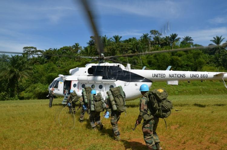 """Результат пошуку зображень за запитом """"миротворці Організації Об'єднаних Націй вертольоти"""""""