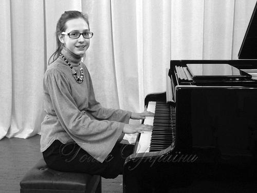 Посіла призове місце у всеукраїнському конкурсі учнів музичних шкіл пам яті  Петра Чайковського 79d7462f10913