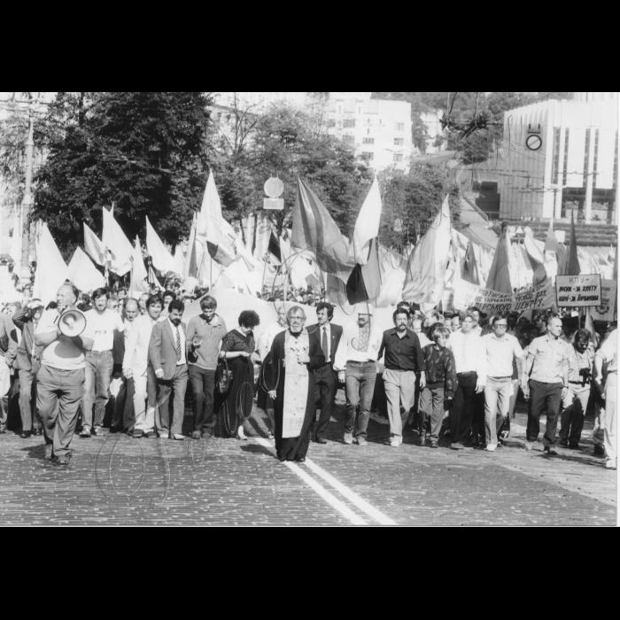Мітинг біля ВР України в день проголошення Незалежності України