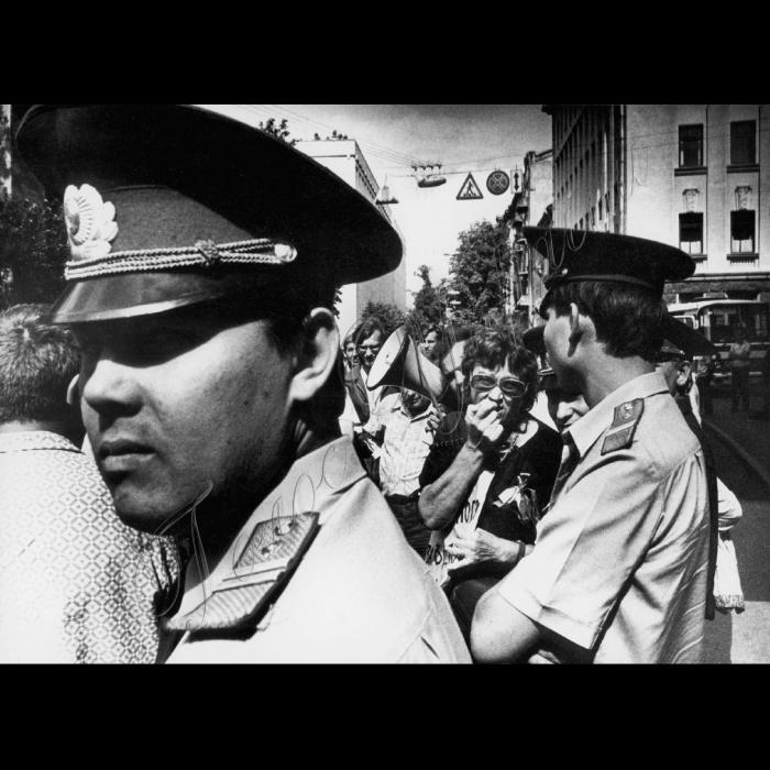 25.08.1991 Мітинг біля будинку ЦК КПУ