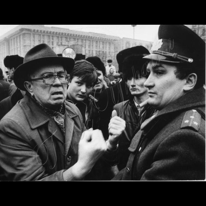 Мітинги . Жовтень-грудень 1991 року. Київ, Хрещатик