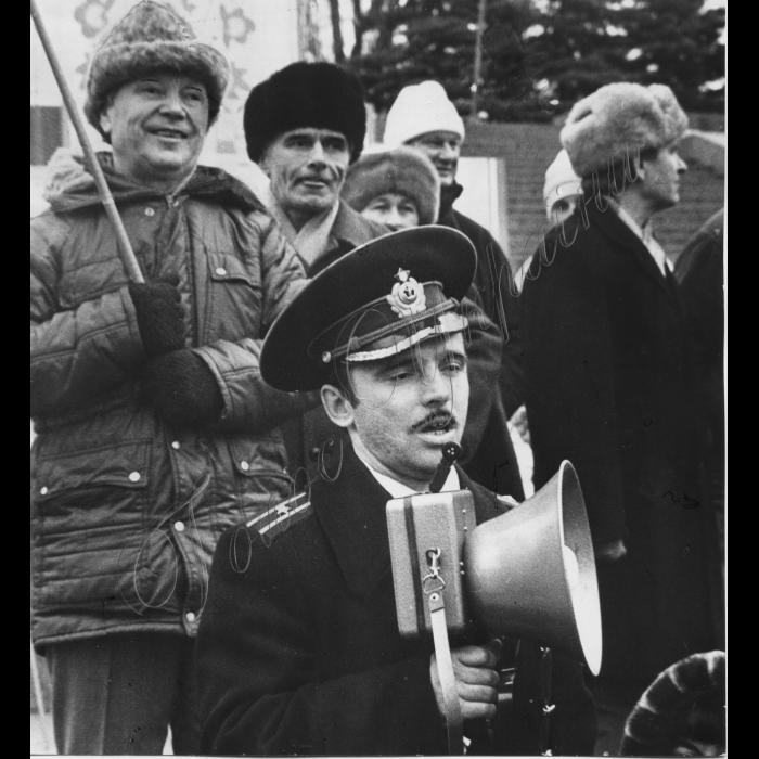 Мітинги. 1992 рік. Мітинг комуністів на площи Ленінського комсомолу