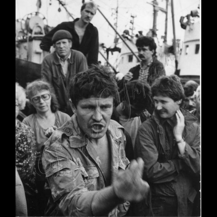 Мітинги. вересень 1992 рік. Фермер з Кунашира Володимир Римба (щодо Курильських островів)