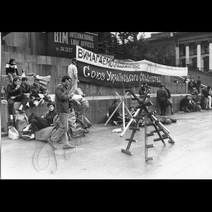 Мітинги. 1992 рік. Студентське голодування. Київ. Майдан Незалежності.