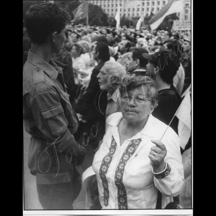 23.08.1993. Мітинг і маніфістація на Хрещатику.