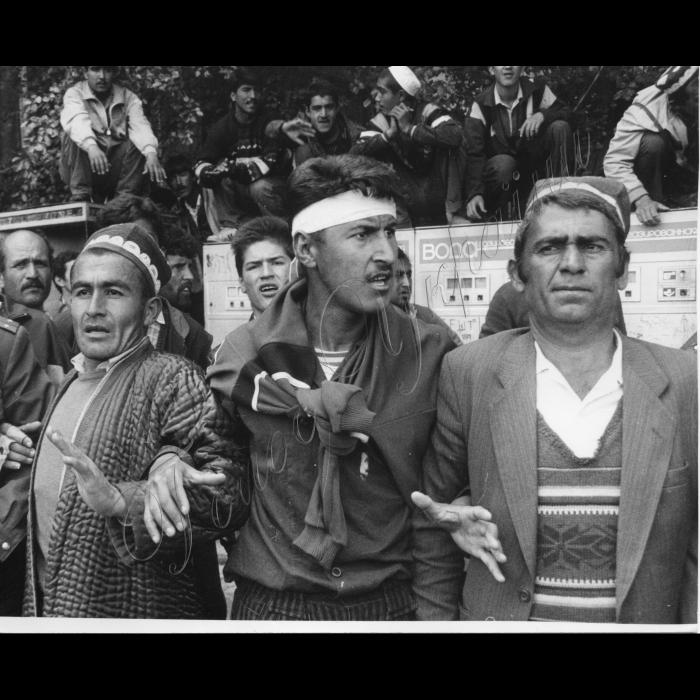 6 ноября состоялись выборы в Таджикистане, сторонники опозиции не согласны с результатами выборов.