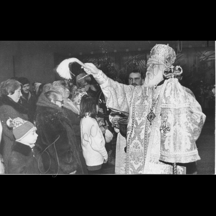 15.01.1995. Освячення Київським митрополитом Філаретом