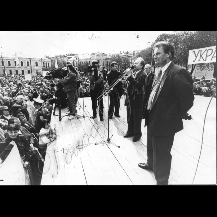 01.05.1995. Київ. Софіївська площа. Чорновіл, Яворівський