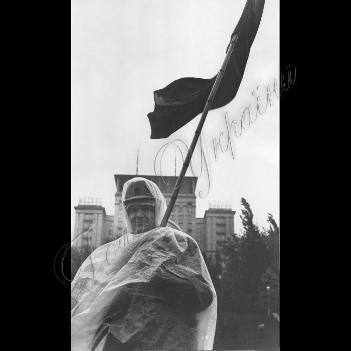 30.09.1995. Київ, Майдан Незалженості Голодуючий шахтар