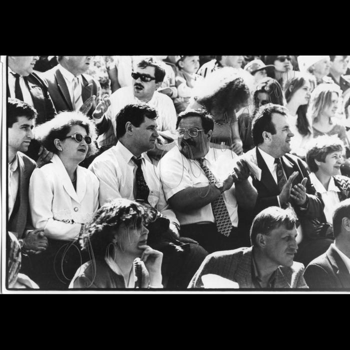 04.05.1996. Розпочався сезон перегонів на рисаках за призи