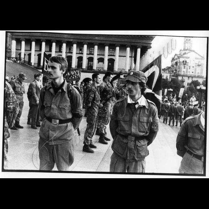 Липень 1996. Мітинг УНСО на Майдані Незалежності