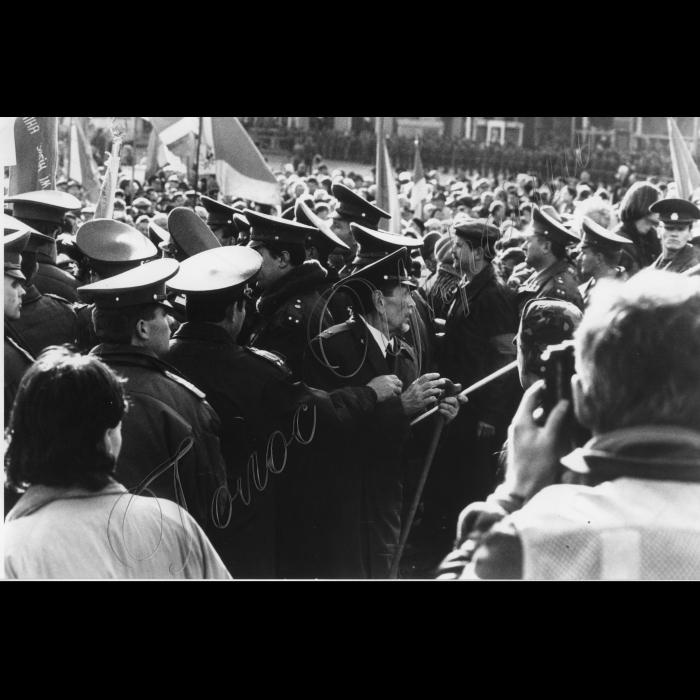 07.11.1996. Комуністи. Річниця Жовтневої революції День червоних прапорів - день смутку і жалю.