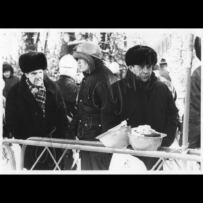 02.12.1998. Пікет біля ВР. Шахтарі