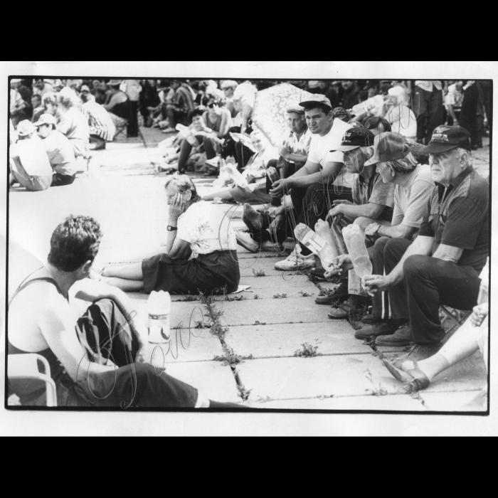 16.06.1999. Шахтарі біля ВР