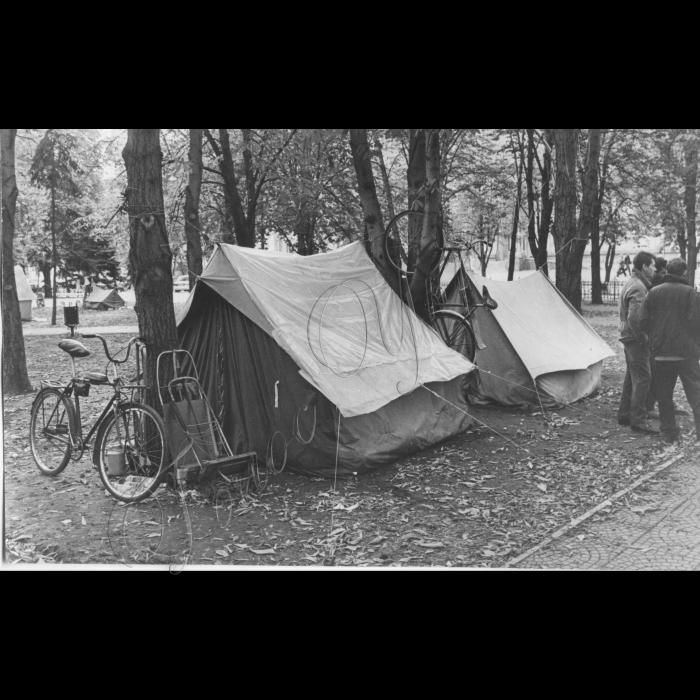 16.10.1999. Луганськ, Центральна площа. Пікети. Шахта ім. Менжинського.