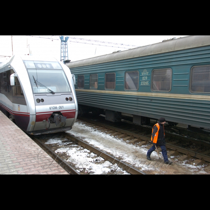 3 березня 2009 Київ, огляд підготовки інфраструктури Північного залізничного кола до запуску міської електрички.