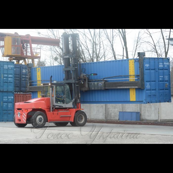 31 января 2018 торжественное отправление первого рейса нового повноскладового контейнерного поезда по маршруту ст. Киев-Лиски - ст. Черноморская (ТИС). Поезд будет регулярно курсировать в рамках проекта по организации на территории Украины комплексного сервиса по доставке грузов в контейнерах непосредственно к получателю по схеме