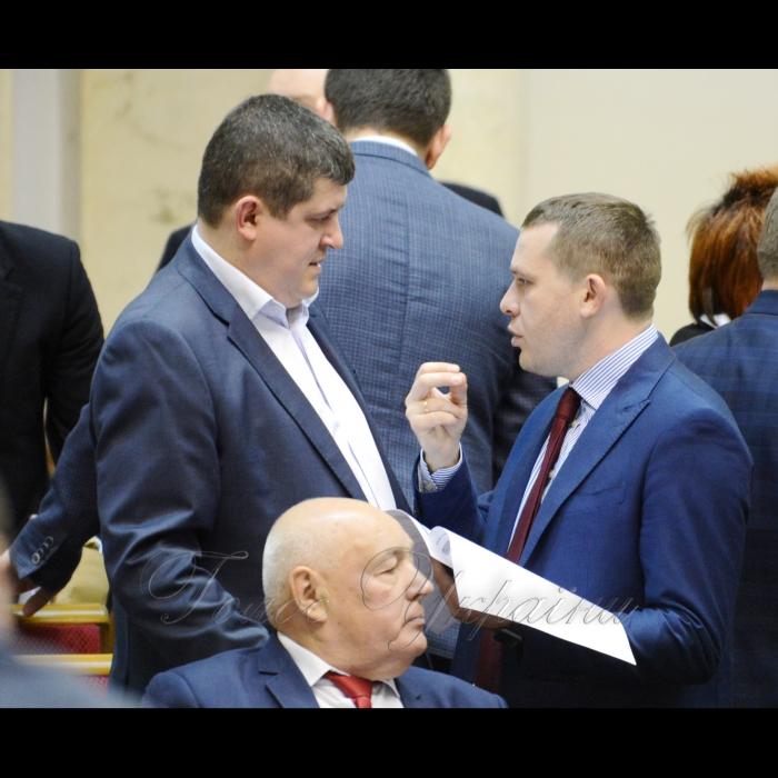 15 березня 2018 сесія Верховної Ради України. Максим Бурбак НФ, Іван Крулько Б.