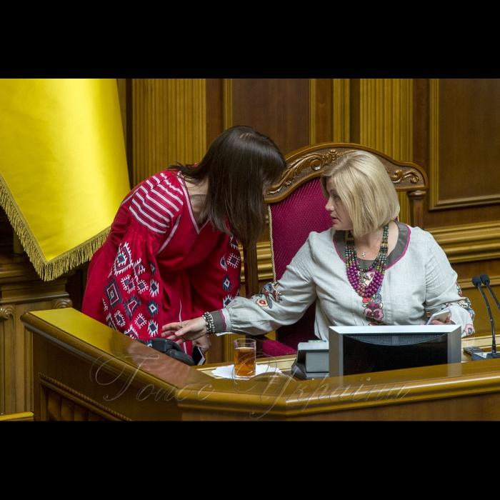 17 травня 2018 сесія Верховної Ради України. В Україні - день вишиванки. Ірина Геращенко.