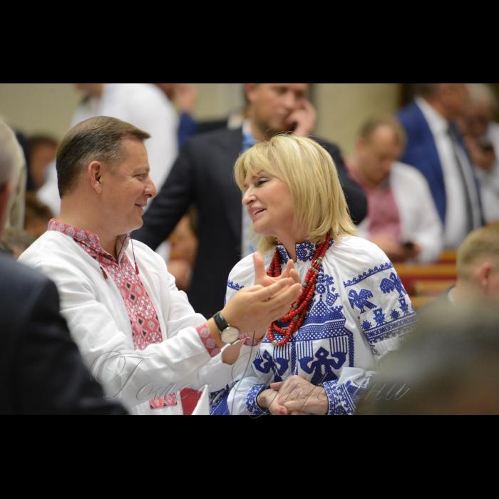 17 мая 2018 сессия Верховной Рады Украины. Олег Ляшко РП, Ирина Луценко БП.