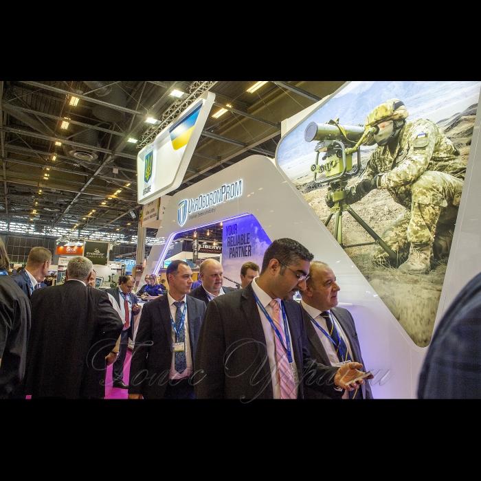 Голова Верховної Ради України Андрій Парубій розпочав візит до Французької Республіки. Париж.  Робочі зустрічі на стендах компаній «Укроборонпром», «Аirbus» та «Thales»