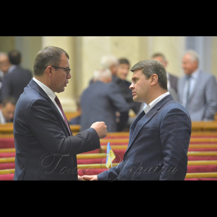Сесія Верховної Ради України. Сергій Скуратовський РП Вадим Івченко Б