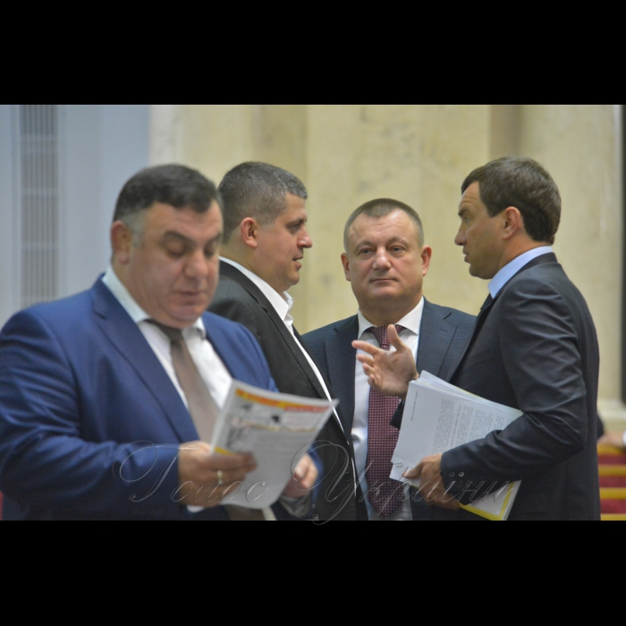 Сесія Верховної Ради України. Максим Бурбак Анатолій Дирів Андрій Іванчук НФ
