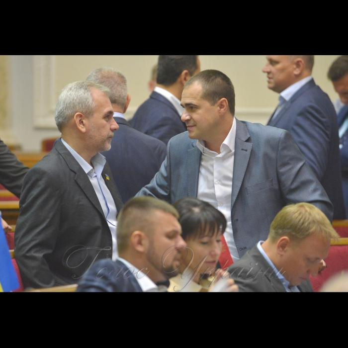 Сесія Верховної Ради України. Олег Мусій позафр. Богдан Матківський позафр.
