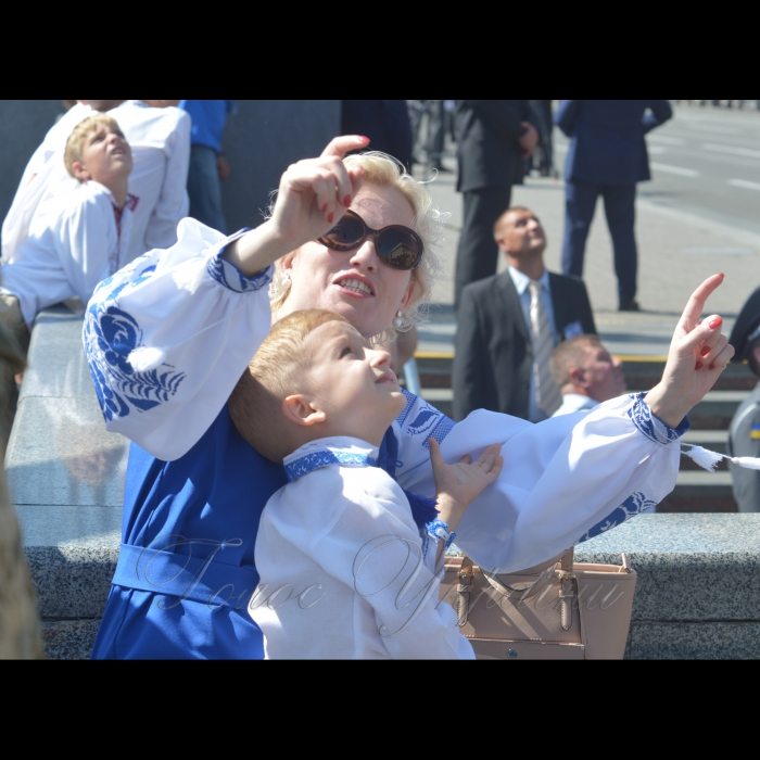 24 серпня 2018 Голова Верховної Ради України Андрій Парубій разом з Президентом України, Верховним головнокомандувачем Петром Порошенком, Прем'єр-міністром України Володимиром Гройсманом, народними депутатами, урядовцями, гостями столиці взяли участь в урочистих заходах з нагоди святкування 27-ї річниці Незалежності України. У параді взяли участь 18 іноземних делегацій із різних країн світу, зокрема із Великої Британії, США, Канади, Литви, Естонії, Польщі, Румунії, Молдови, Грузії, Латвії, Данії, Польщі.