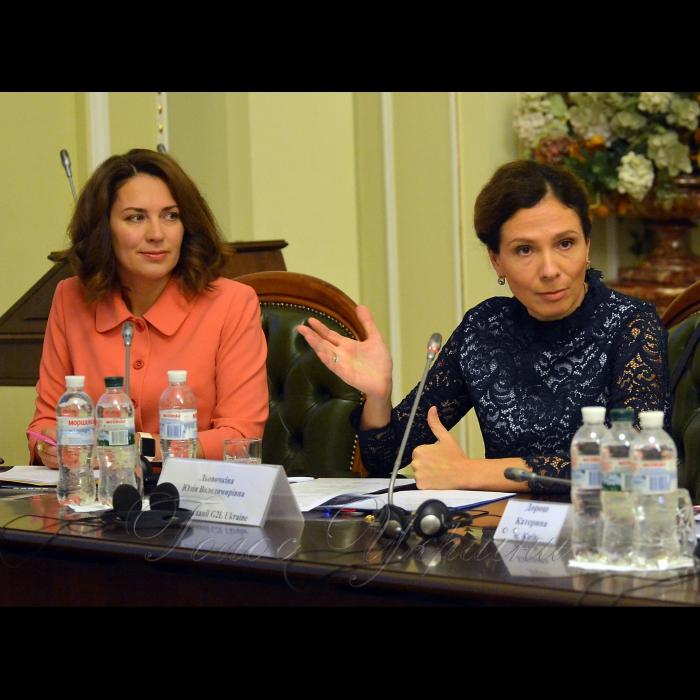 11 ЖОВТНЯ 2018 конференція з нагоди відзначення Всесвітнього дня дівчат. У цей день близько 3 тис. студенток та старшокласниць з усього світу одночасно зустрінуться з жінками - політичними лідерами у парламентах своїх країн та Європарламенті, щоб перейняти їх досвід. Українські дівчата відвідають Верховну Раду та матимуть можливість познайомитися з жінками - народними депутатами з різних фракцій. Народні депутати Наталія Агафонова та Юлія Льовочкіна.