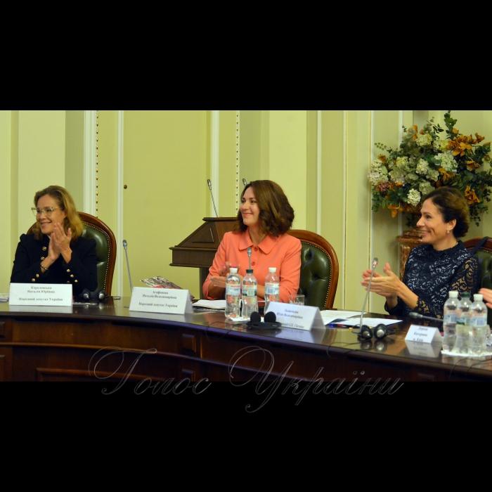 11 ЖОВТНЯ 2018 конференція з нагоди відзначення Всесвітнього дня дівчат. У цей день близько 3 тис. студенток та старшокласниць з усього світу одночасно зустрінуться з жінками - політичними лідерами у парламентах своїх країн та Європарламенті, щоб перейняти їх досвід. Українські дівчата відвідають Верховну Раду та матимуть можливість познайомитися з жінками - народними депутатами з різних фракцій. Народні депутати Наталія Королевська, Наталія Агафонова та Юлія Льовочкіна.