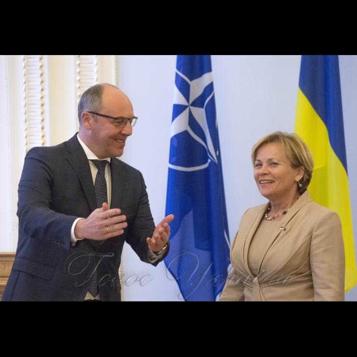 16 жовтня 2018 зустріч Голови Верховної Ради України Андрія Парубія з Президентом Парламентської асамблеї НАТО Расою Юкнявічєнє