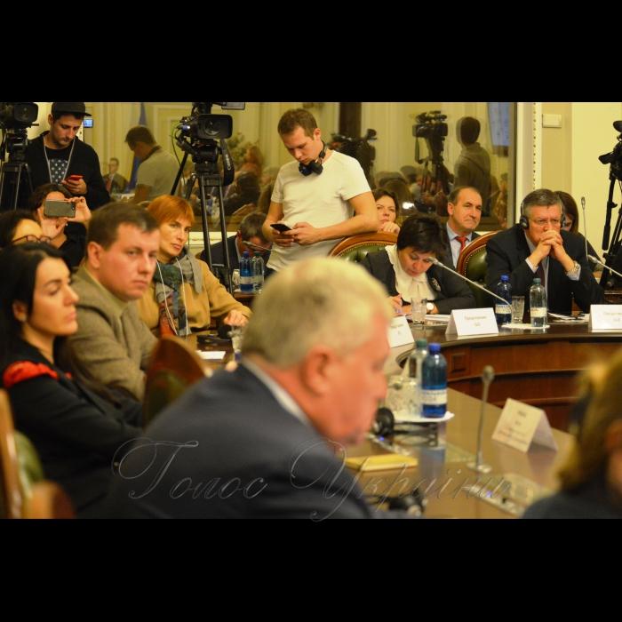 29 жовтня 2018 комітет з питань паливно-енергетичного комплексу, ядерної політики та ядерної безпеки провів дискусію на тему: «Держбюджет 2019: політика енергоефективності і енергетичної модернізації, чи високих тарифів і бюджетних субсидій».